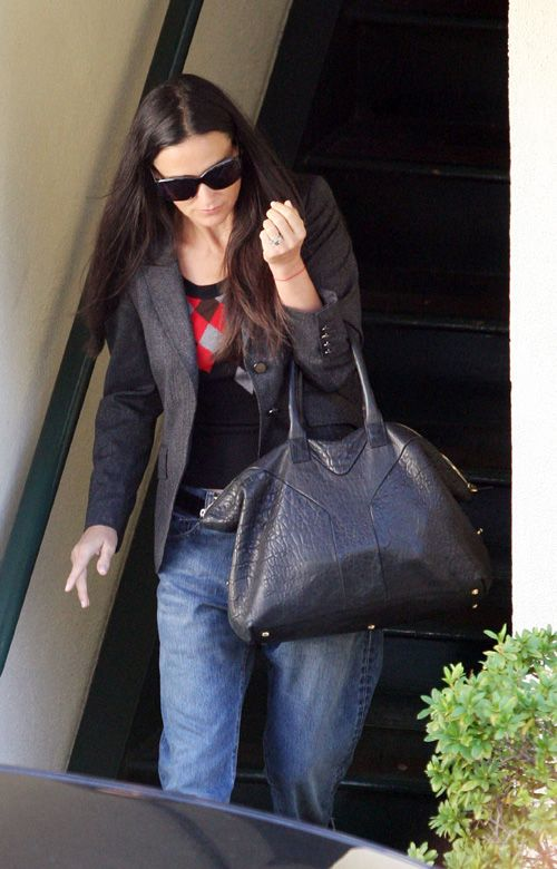 29f5a228c00041 Celebs & YSL bags - Page 93 - PurseForum | Can never have enough ...