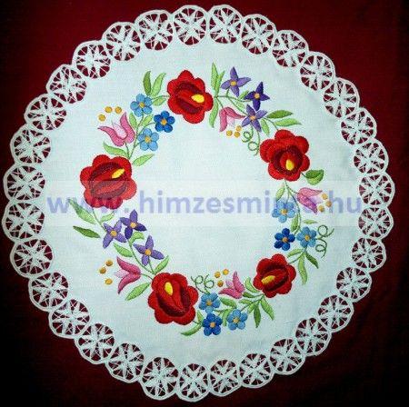 1906a60240 Színes kalocsai mintás riseliős terítő 40cm (428, 429,430) | 刺繍 ...