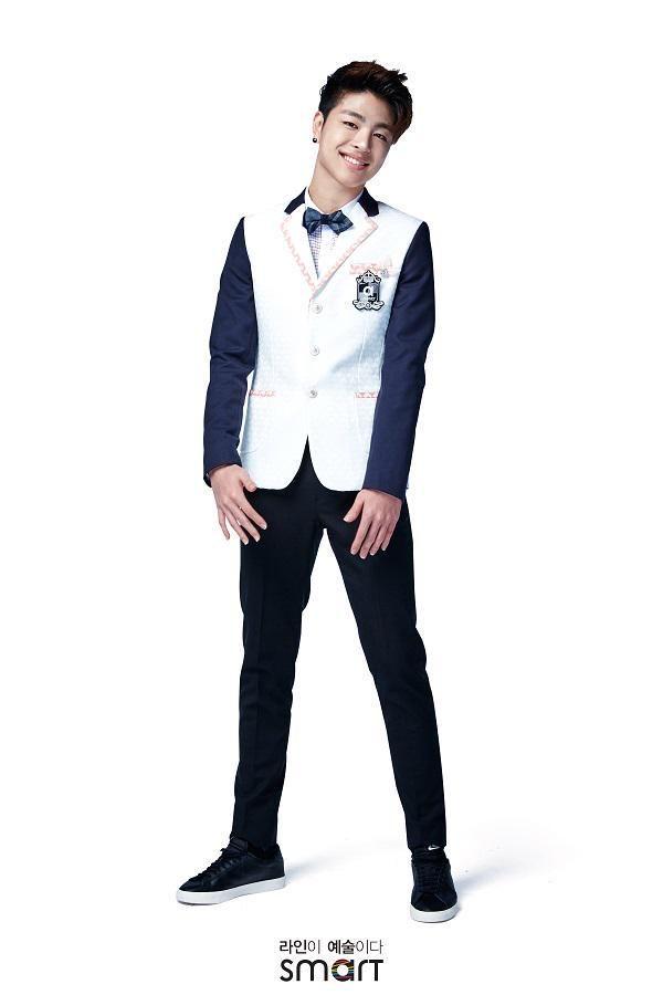 #JunHoe #iKON Smart Uniform