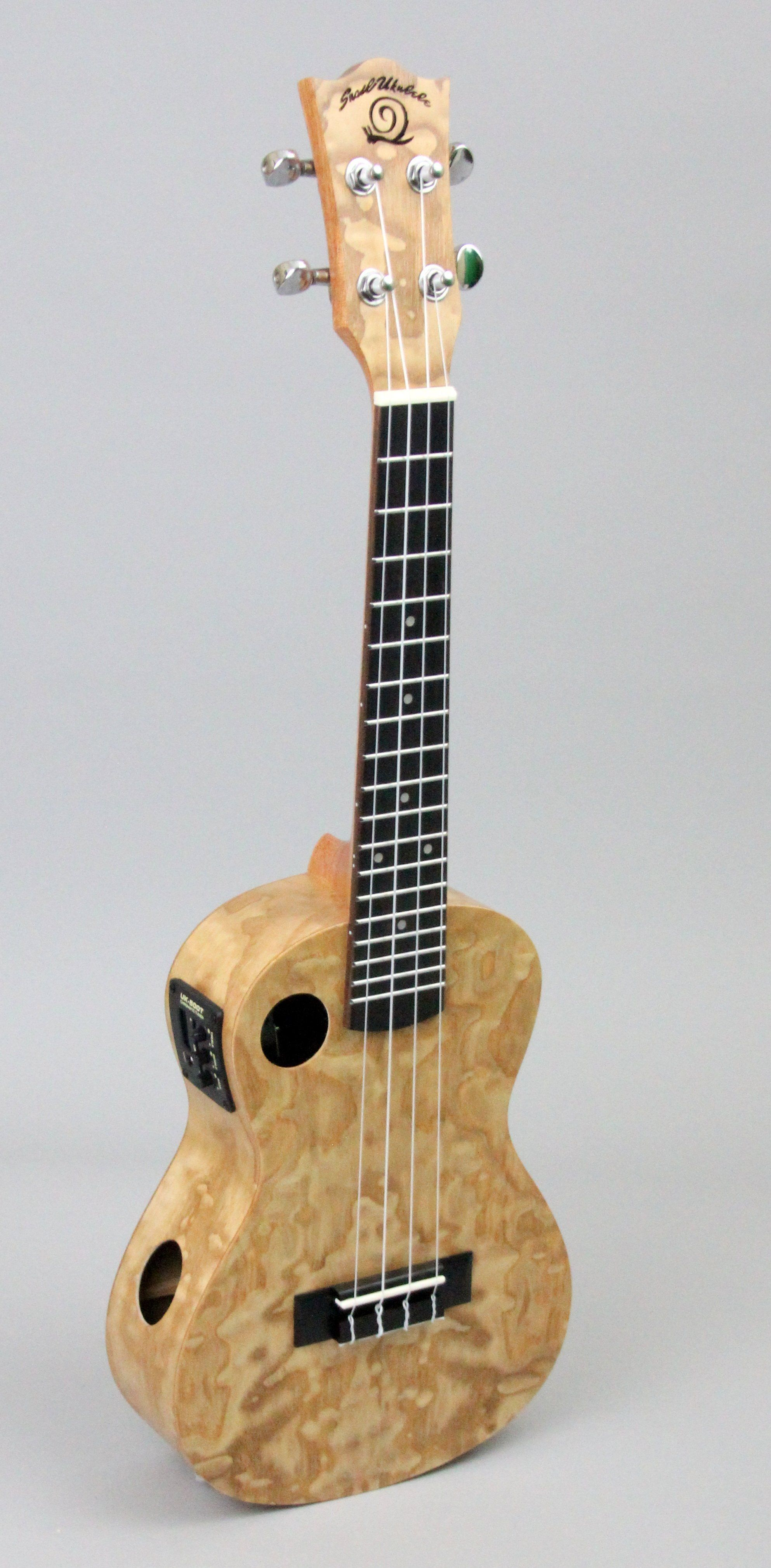 Store Demo | Amahi Snail Series Ukulele Quilted Ash | With