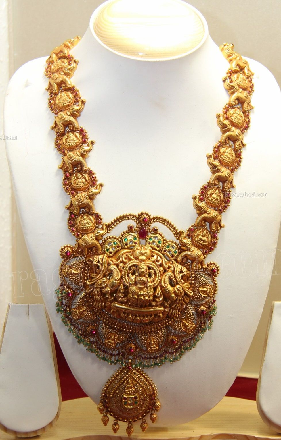 Heavy Nakshi Gold Haram Latest Jewellery Designs In 2020 Gold
