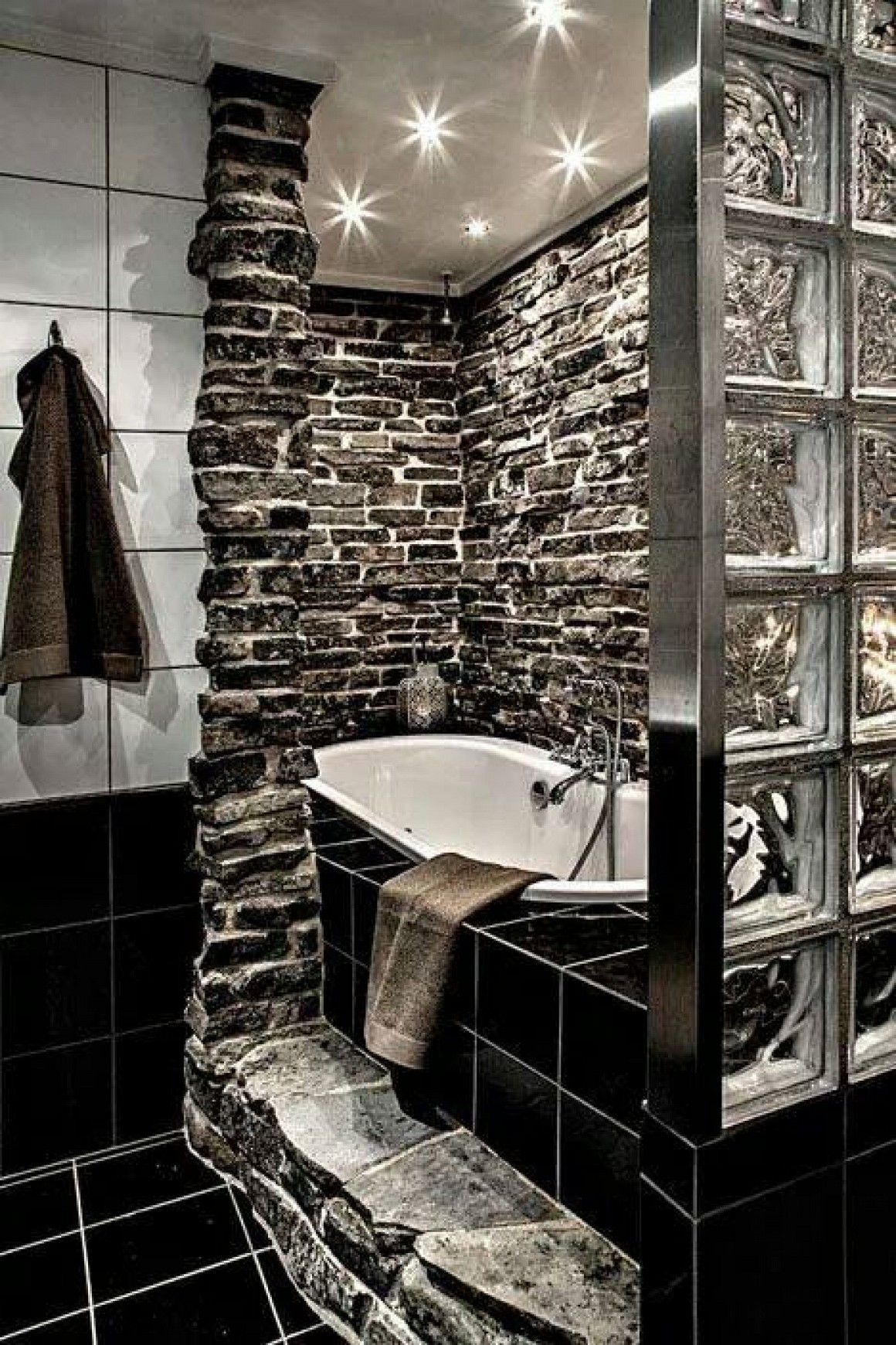 luksfery w azience hledat googlem masculine crafty rustic dark interior design bathroom i just like the rock part with the white tub