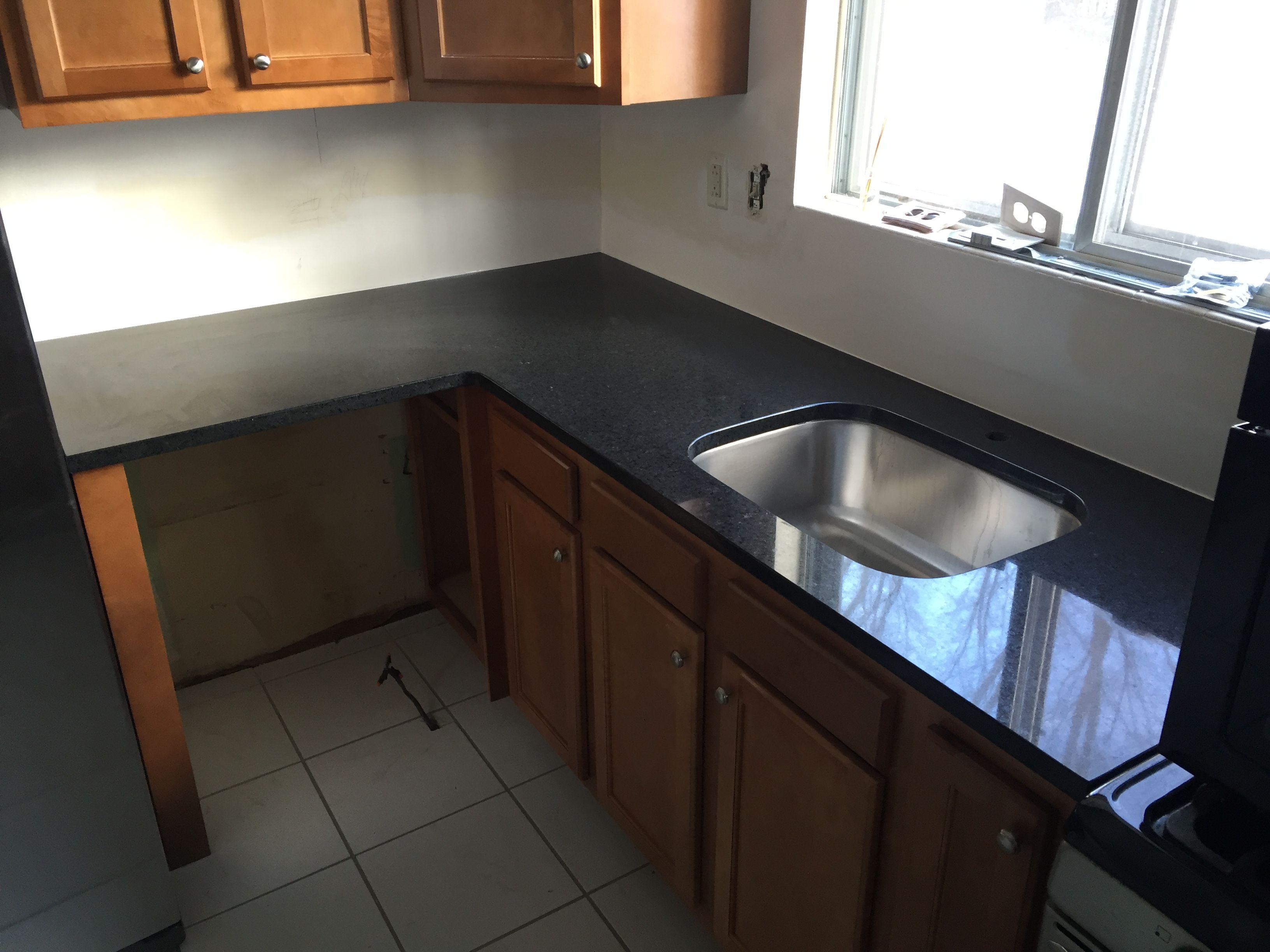 Countertop Material Granite Color Black San Marcos Location Newark De Www Elegantlysetinstone Com Kitchen Cabinets Kitchen Home Decor