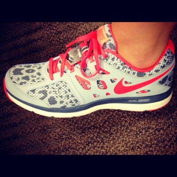 nike tennis shoes cheetah