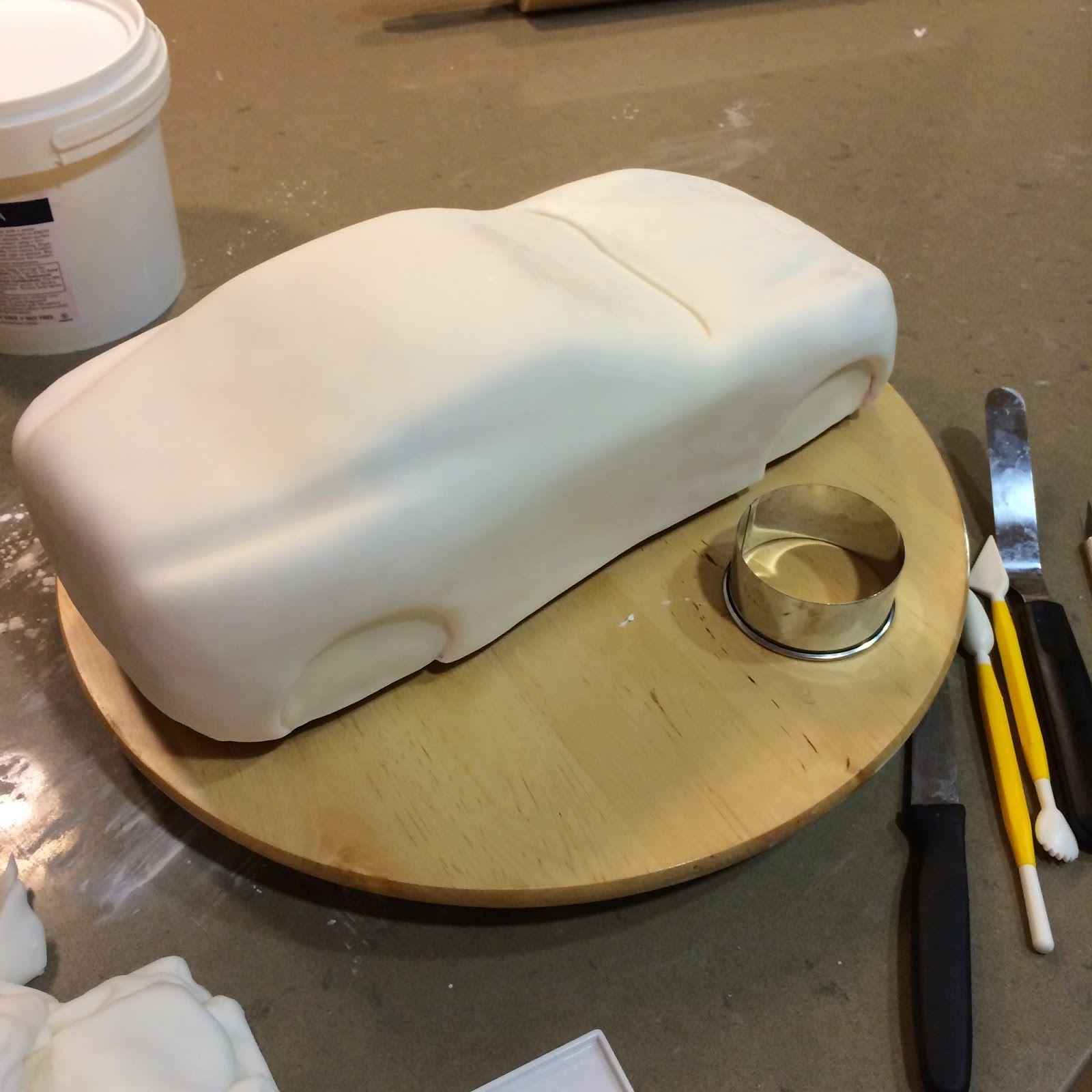 Delicious arts bakery ferrari california cake tutorial pojazdy delicious arts bakery ferrari california cake tutorial baditri Gallery