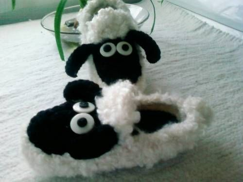 Shaun the sheep mod to the fluffy bunny slipper - CROCHET Crochet Ideas and...