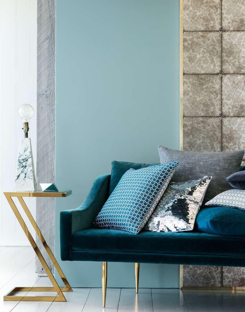 Pehmeillä tekstiileillä rentoutta olohuoneeseen. #etuovisisustus #olohuone #hm