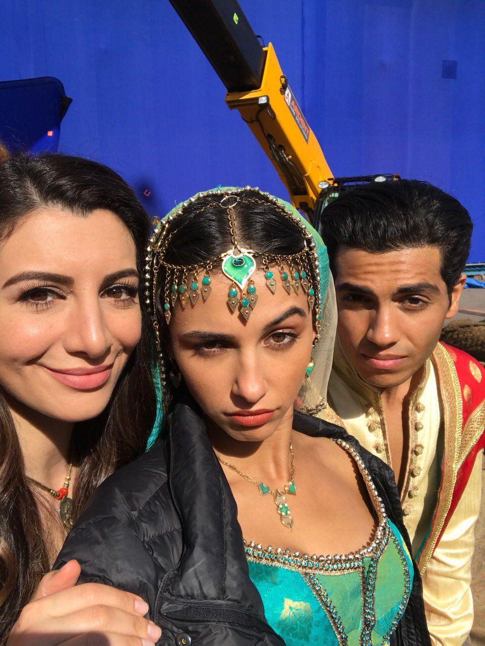 Mena Massoud On Twitter Aladdin And Jasmine Naomi Scott Aladdin Movie