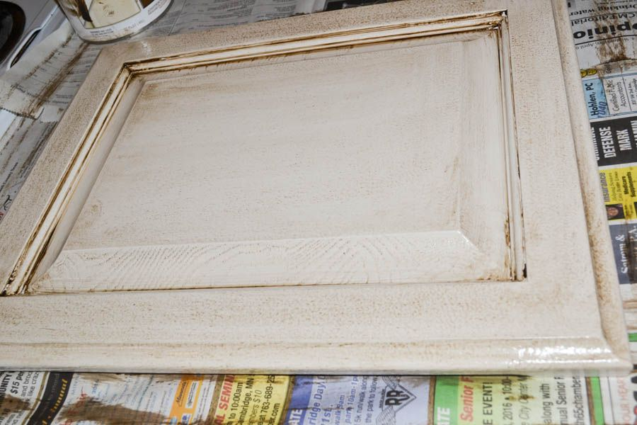 How to Glaze Kitchen Cabinets - Glazed kitchen cabinets, Antique kitchen, Antique kitchen cabinets, New kitchen cabinets, Painting kitchen cabinets, Rustic cabinets - We're sharing two different techniques on how to glaze kitchen cabinets for the perfect antique look! [this post contains affiliate links, which means we may make a small commission if a purc…