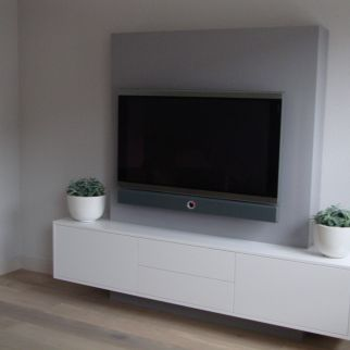 tv ophangen wegwerken kabels interieur pinterest meuble tv suspendu tv suspendue et. Black Bedroom Furniture Sets. Home Design Ideas