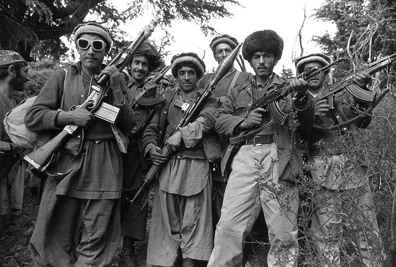vietnam war vs soviet afghan war The afghan pro soviet communists supported china's enemies in vietnam and blamed china for supporting afghan anti communist militants china responded to the soviet war in afghanistan by supporting the afghan mujahideen and ramping up their military presence near afghanistan in xinjiang.