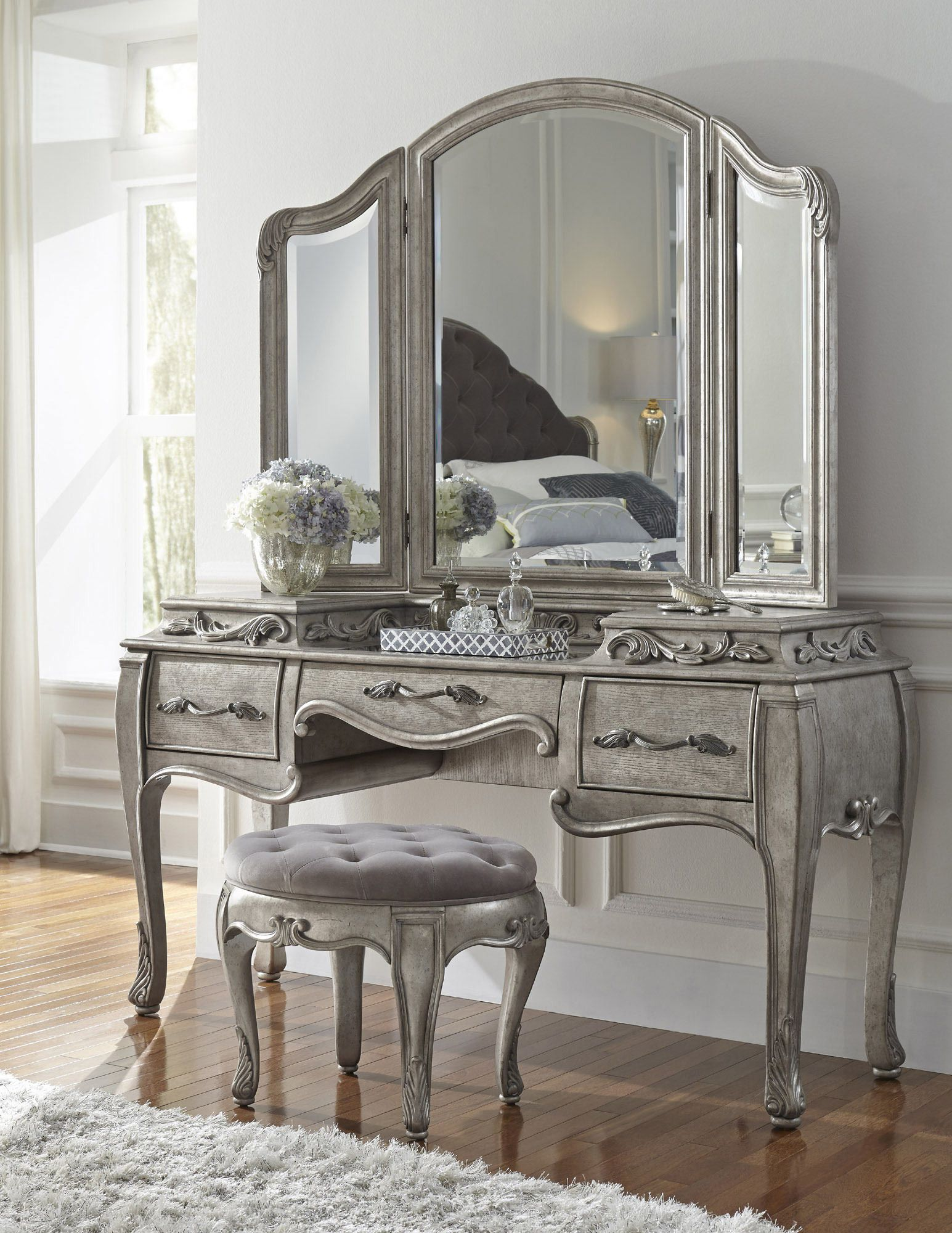 Makeup Table Perth Rhianna Bedroom Vanity Set In Platinum By Pulaski Home Gallery