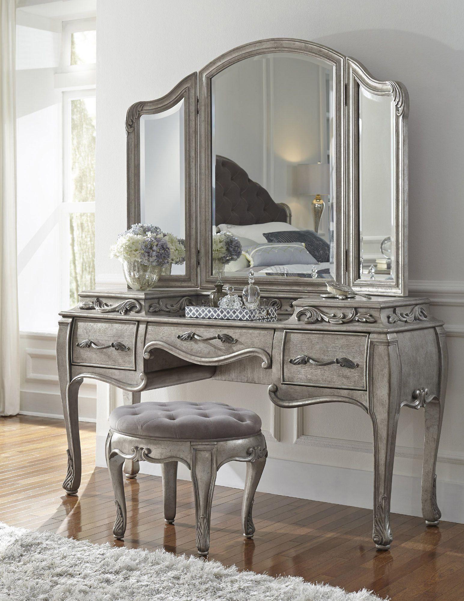 Rhianna Bedroom Vanity Set In Platinum By Pulaski Home Gallery