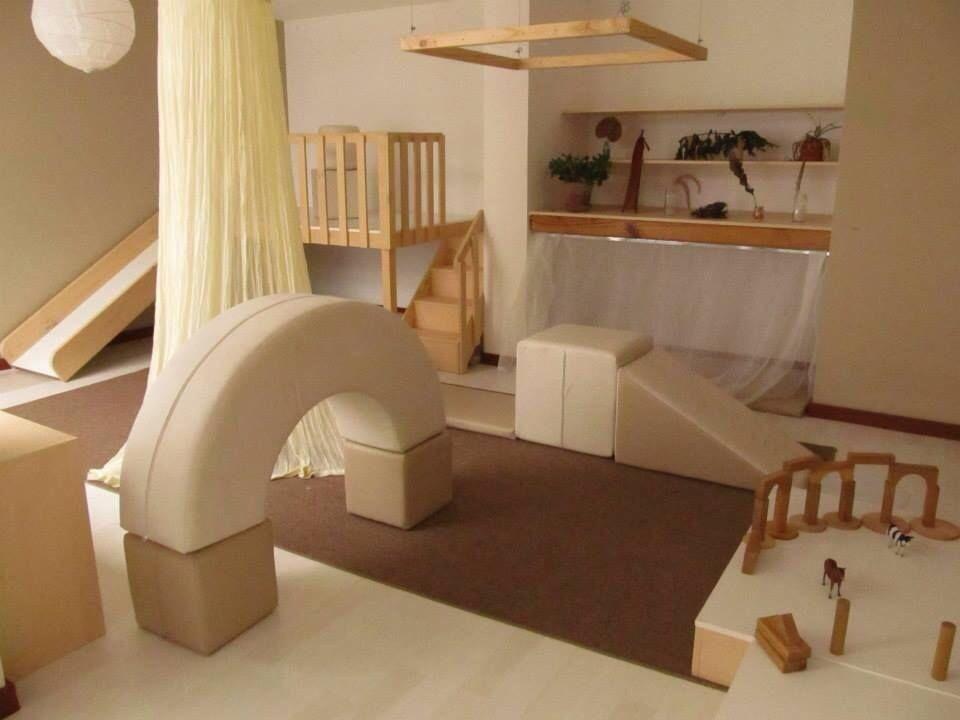 Dreamy toddler room at nido la casa amarilla baby things for Guitarras para ninos casa amarilla