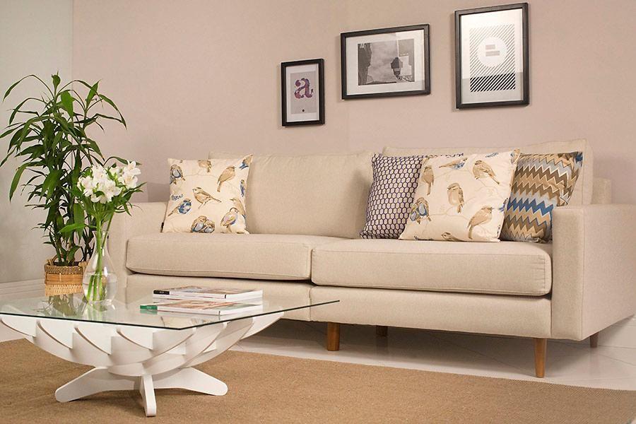 Elegante Sofas a sala de estar pode ser ter elementos modernos na decor e ainda