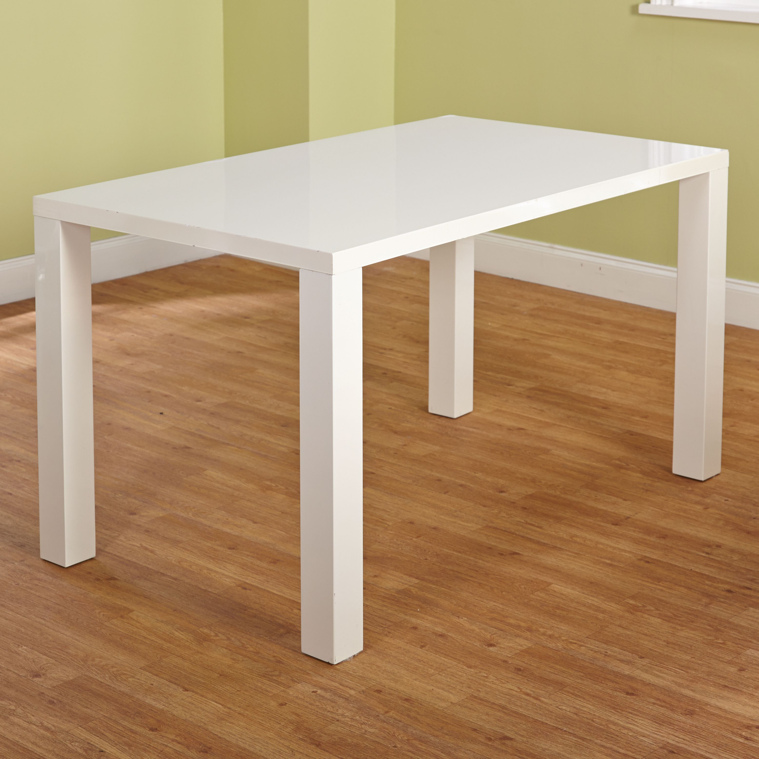 Incorporate Modern Style Into Your Dining Decor With This Felix Table Features