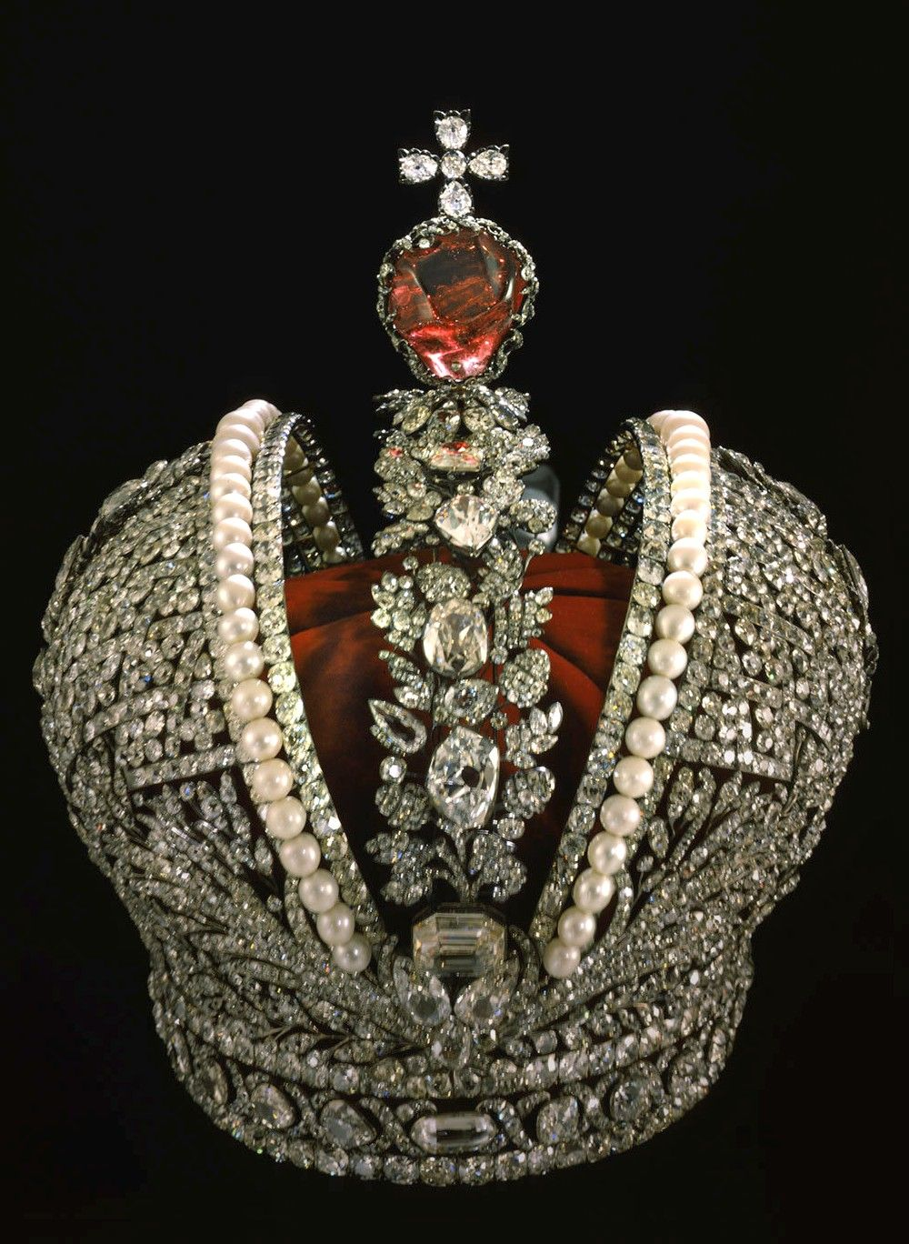 imperial crown of russia diamonds pearls and ruby