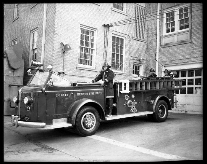 Denton Fire Dept Engine No 12 Fire Trucks Fire Dept Fire Department