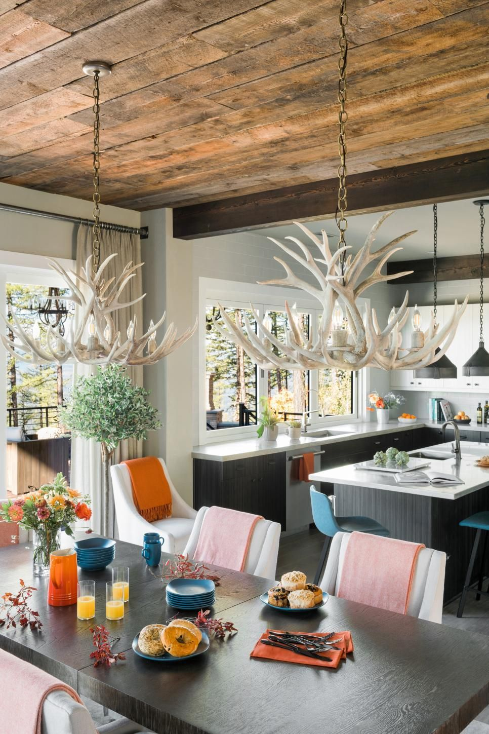 Hgtv Dream Home 2019 Dining Room Pictures Hgtv Dream Home 2019 Hgtv With Images Hgtv Dream Homes Hgtv Dream Home Trendy Living Rooms