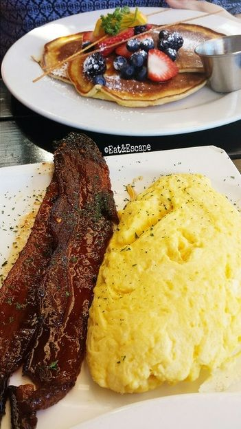 Kitchen Story, San Francisco, SF, Castro, Brunch, bacon, lavender, eggs, eat and escape, restaurant reviews, french toast, pancakes