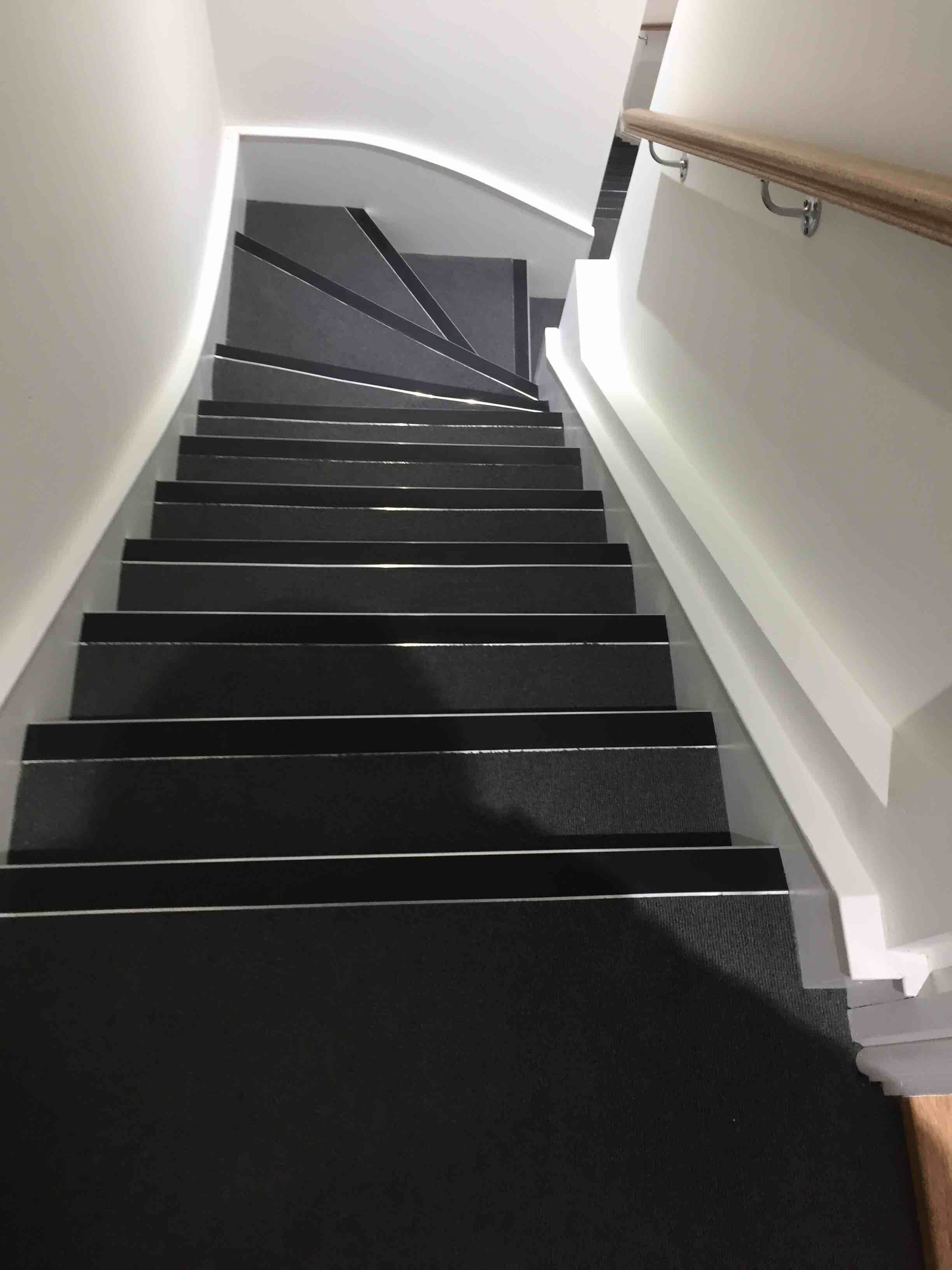 Best The Commercial Carpet Excellent For Stairs Apply 32 400 x 300