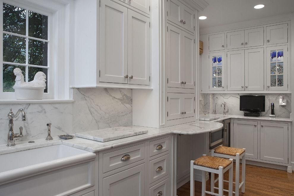 Kitchen Drawer Cup Pulls placement kitchen cabinet hardware ideas - http://www.colgardensbb