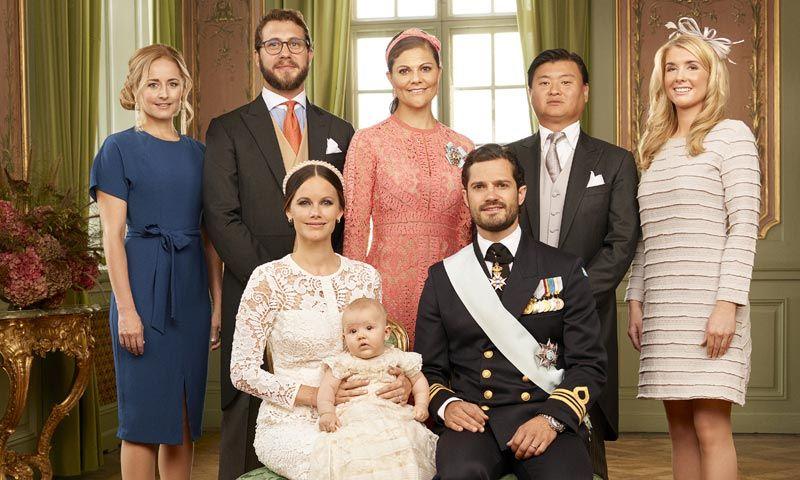 Ya están aquí los retratos oficiales del bautizo de Alexander de Suecia