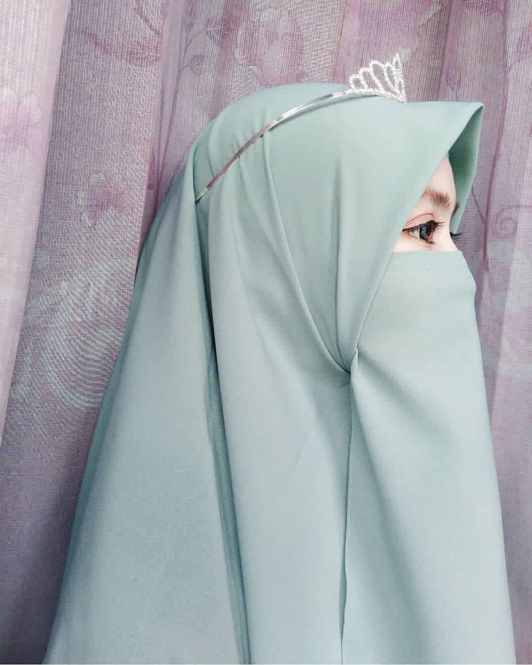 Gambar oleh Arsy Nya pada Niqab di 2020 Gaya model
