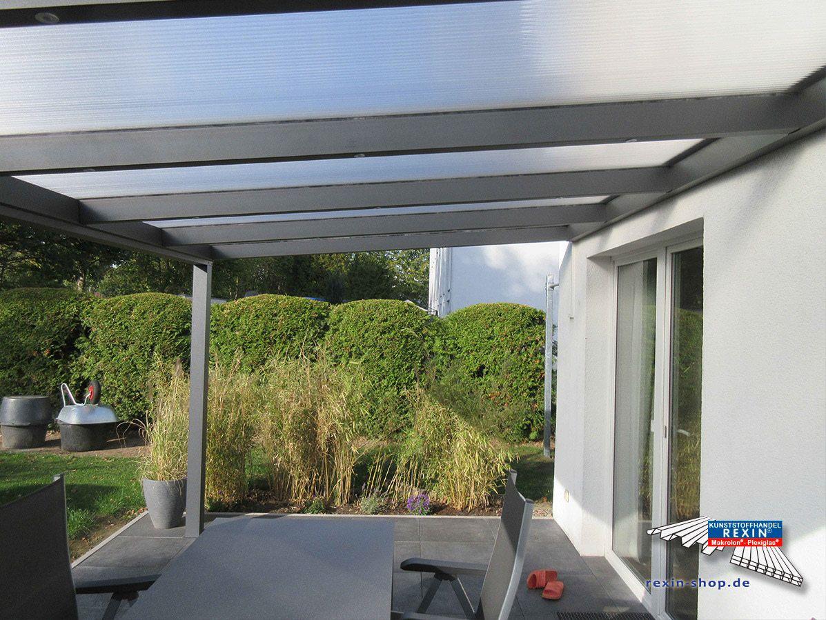 Ein Alu Terrassendach Der Marke Rexopremium 5m X 3m Mit Rexoclear 16mm Stegplatten In Eiskristall Bei Di Uberdachung Terrasse Stegplatten Terrassenuberdachung
