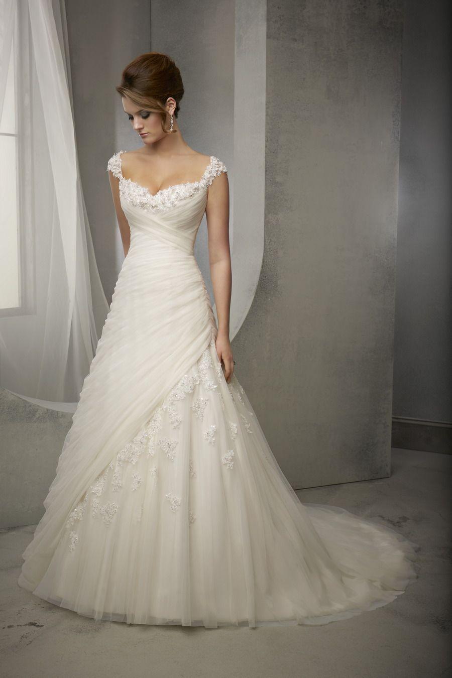 Abito in Tulle e Pizzo con spalline ricamate   Wedding Dresses ...