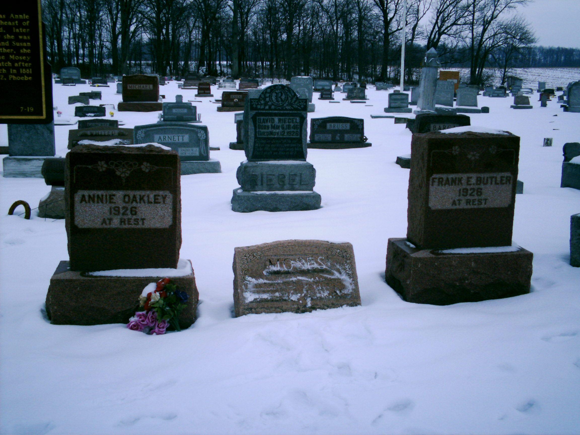 Ohio darke county north star - Brock Oh Darke County Annie Oakley Frank Butler S Graves In