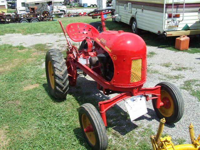 Antique Tractors In Ohio : Vintage garden tractor club of america expo in findlay