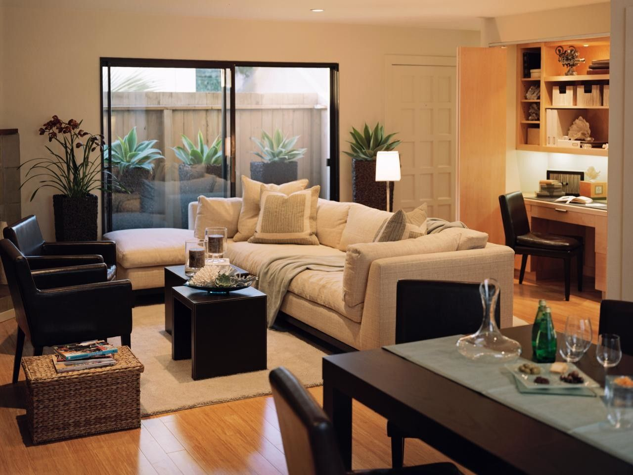 Excellent Photo of Townhouse Decorating Ideas Modern - Interior