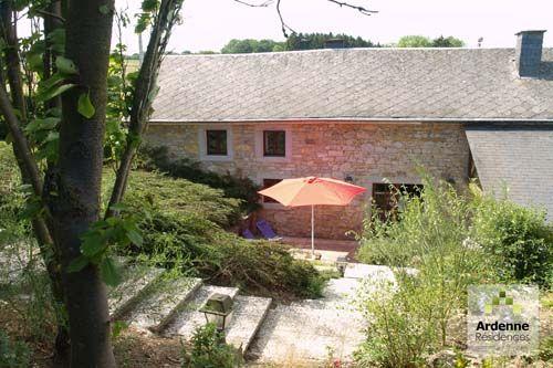 8 persoonshuis Durbuy, je kunt het huis helemaal rond lopen van boven neer beneden en nog een keer.