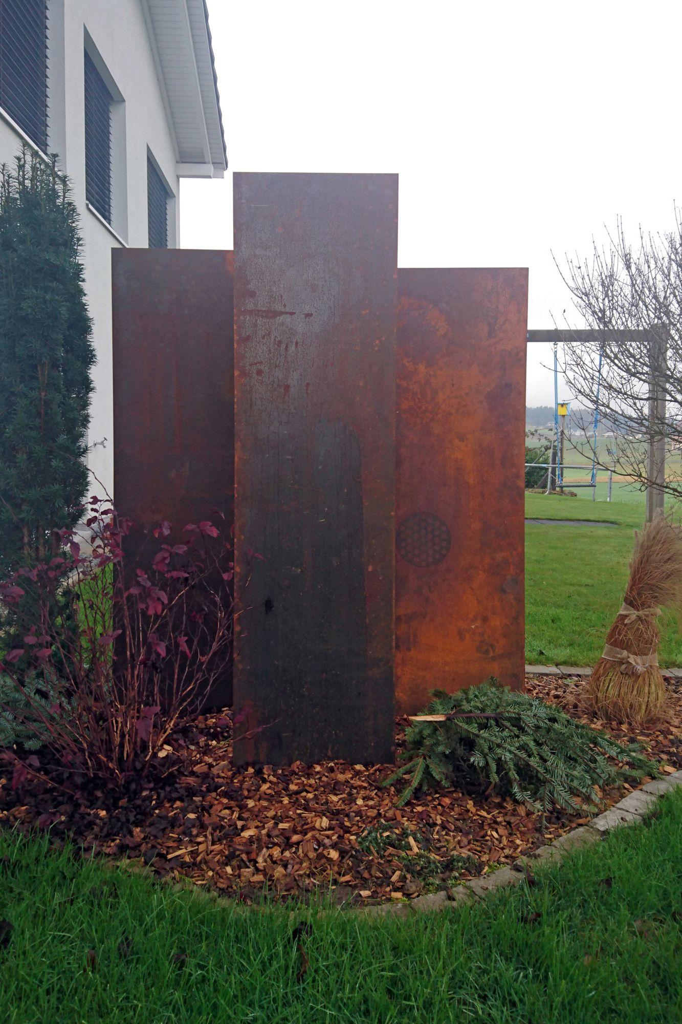PANELLO Sichtschutzstelen aus Cortenstahl. muro