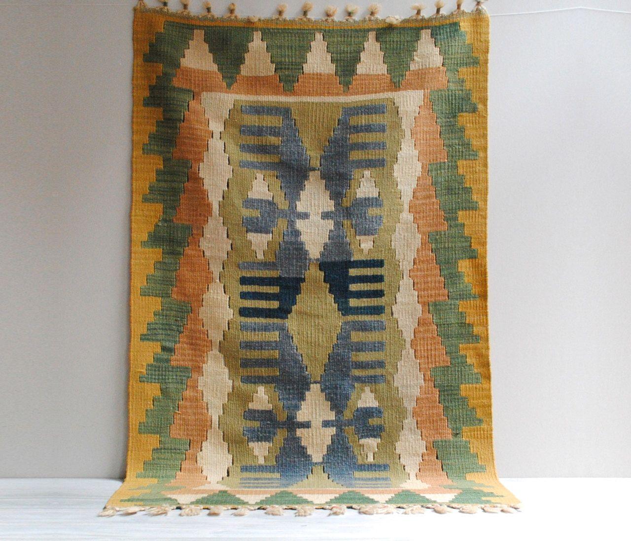 Vintage Kayseri Pınarbasi Kilim Throw Rug or Wall Hanging  /  4' x 2.5' by LittleDogVintage on Etsy https://www.etsy.com/listing/197655424/vintage-kayseri-pnarbasi-kilim-throw-rug