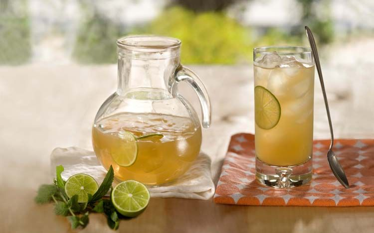 Afternoon tea meets cocktail hour! Spike this Lemon Pineapple Green Tea with rum, or add bourbon to classic iced tea.