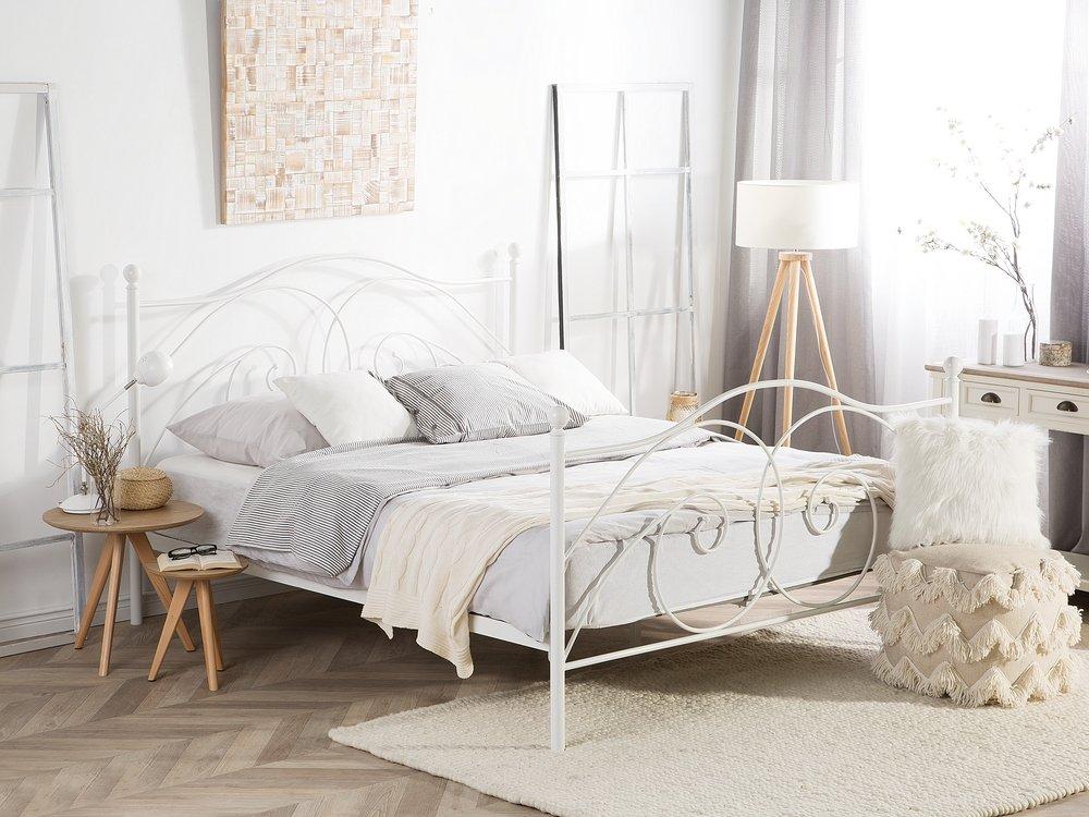 Metal Eu King Size Bed White Dinard Beliani Co Uk Metallbett Weiss Schlafzimmerrenovierung Selbstgemachte Bettrahmen White metal full size beds