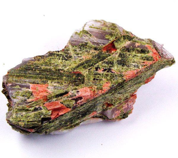 EPIDOTE ON QUARTZ SPECIMEN 390  CARATS  GTT 2102 Australian minerals , minerals