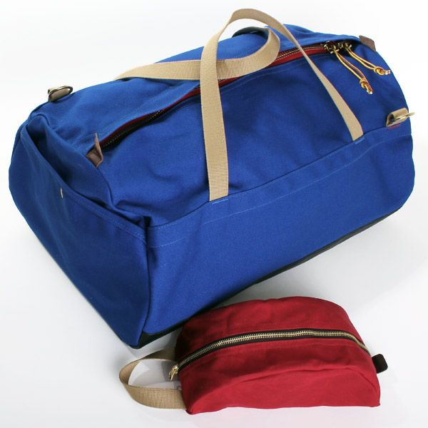 Archival Clothing Duffel and Dopp Kit.... สีเจ็บมากเลย