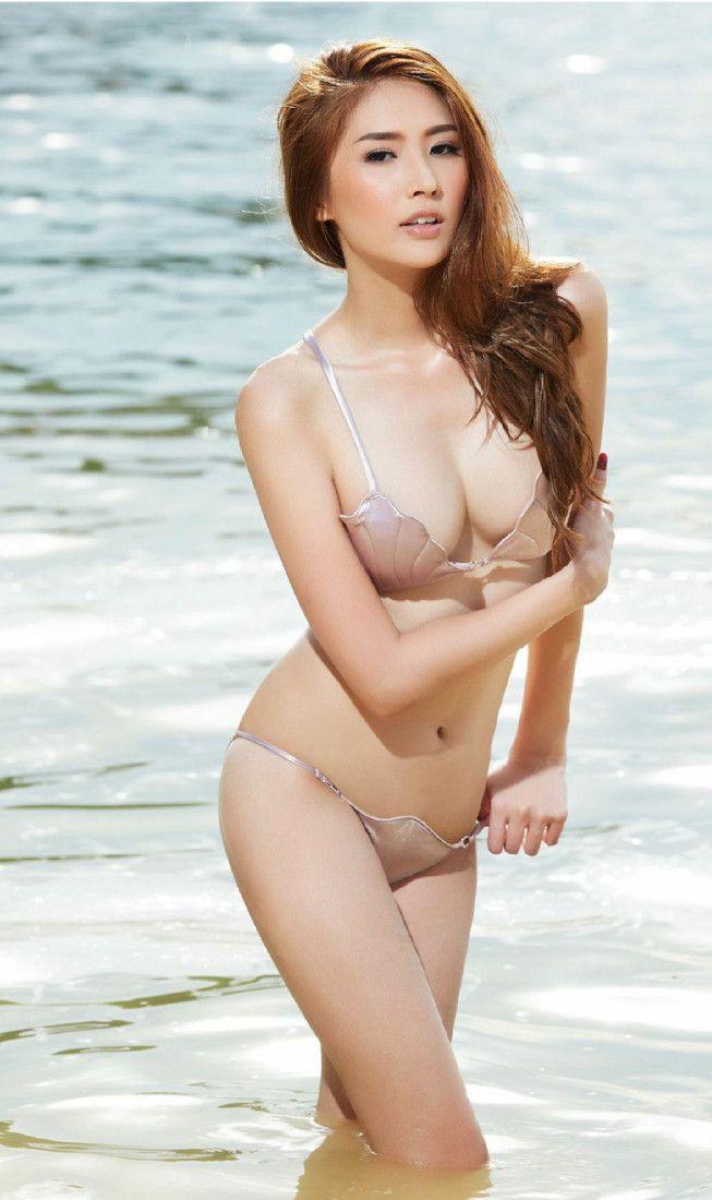 Babes porno nude hot