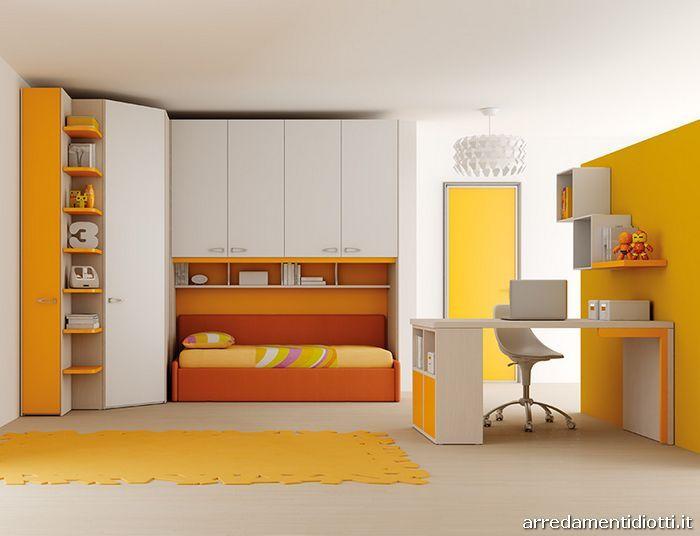 Composizione con angolo spogliatoio e terminale libreria for Spazio 5 arredamenti