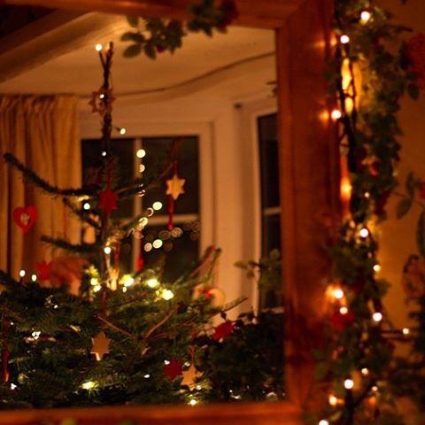 # # #christmaslights #christmastree #Christmas #merrychristmas #christmastime #christmaseve #christmastree #instafollow #christmasgifts