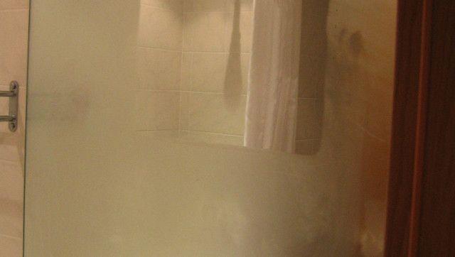Defog A Bathroom Mirror Without Leaving Streaks Med Bilder
