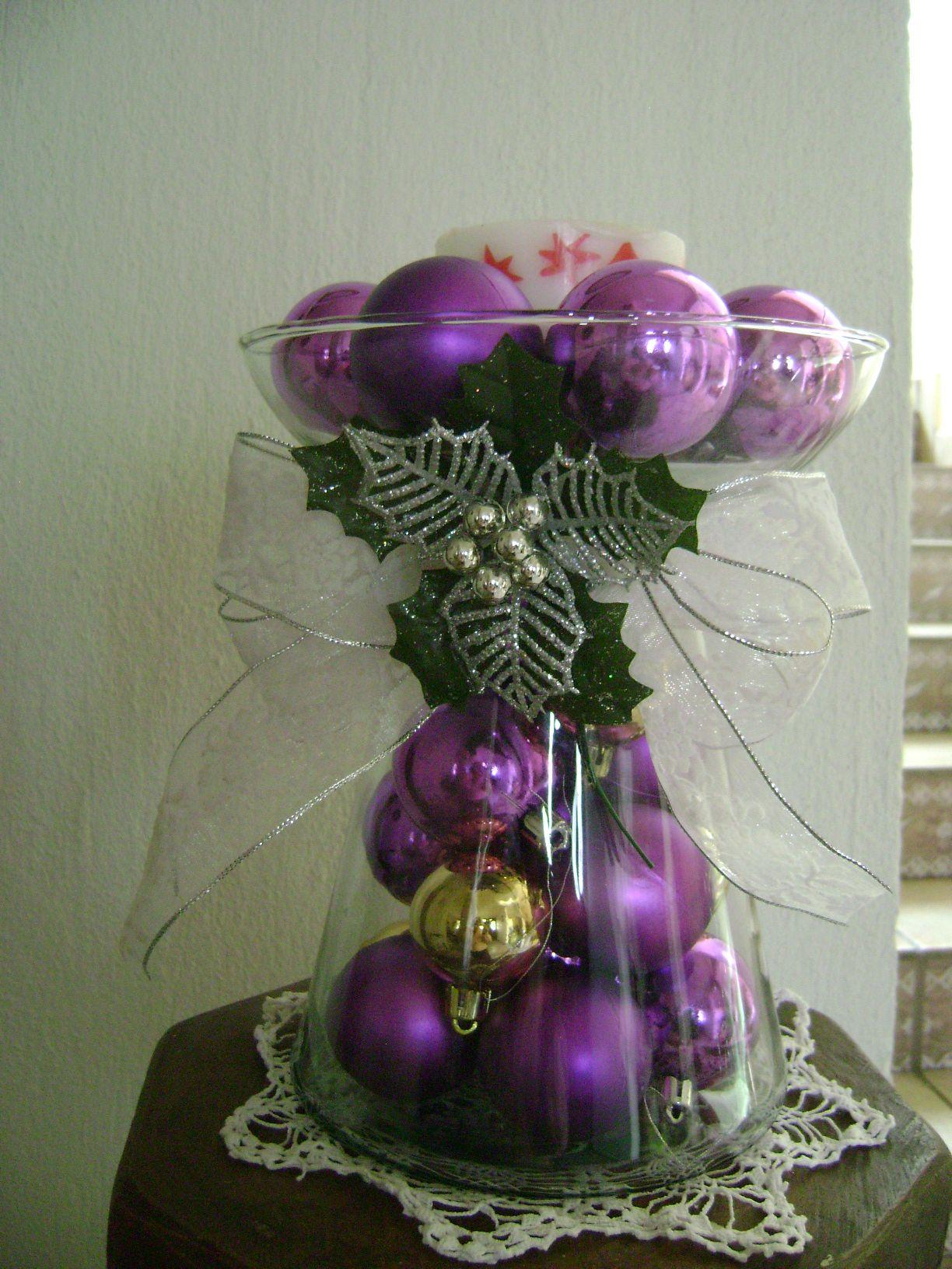 Arreglo navide o con esferas crafts pinterest for Arreglos navidenos para mesa
