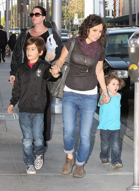 sara gilbert treated her children sawyer and levi gilbert adler to