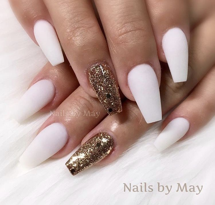Matte White Gold Acrylic Nails Pink Holographic Nails White Nails With Gold