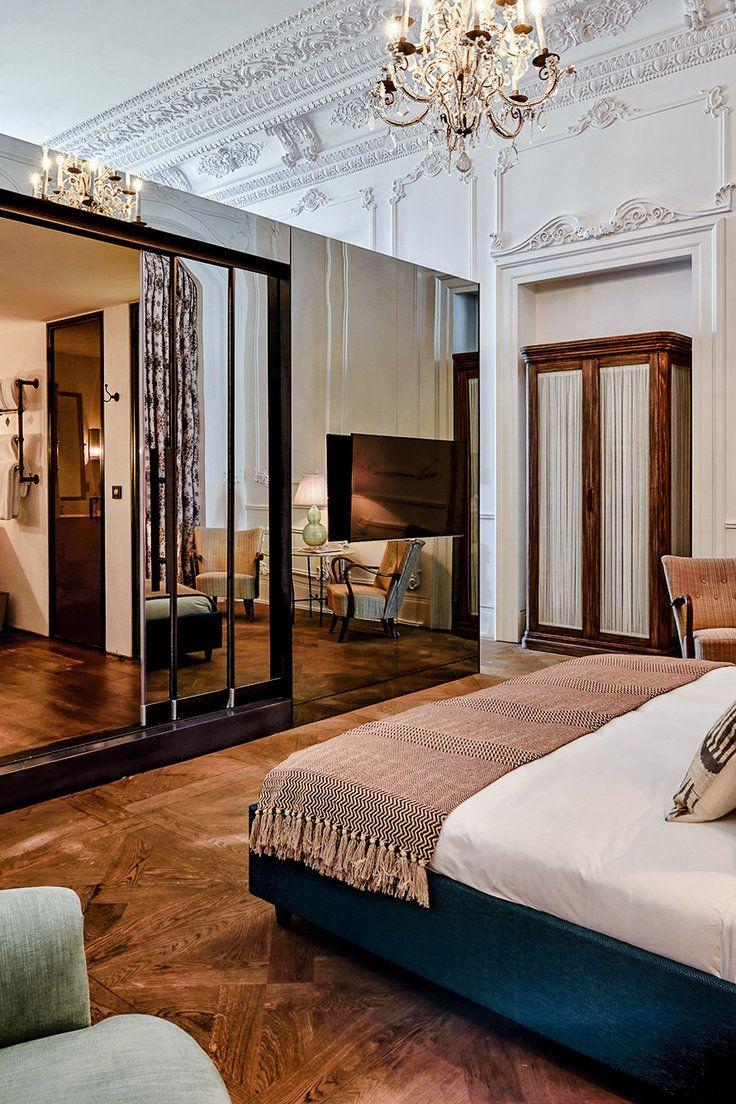 Egyptian Decor Bedroom: Pin By Michale Stapleton On Boutique Hotels In 2019