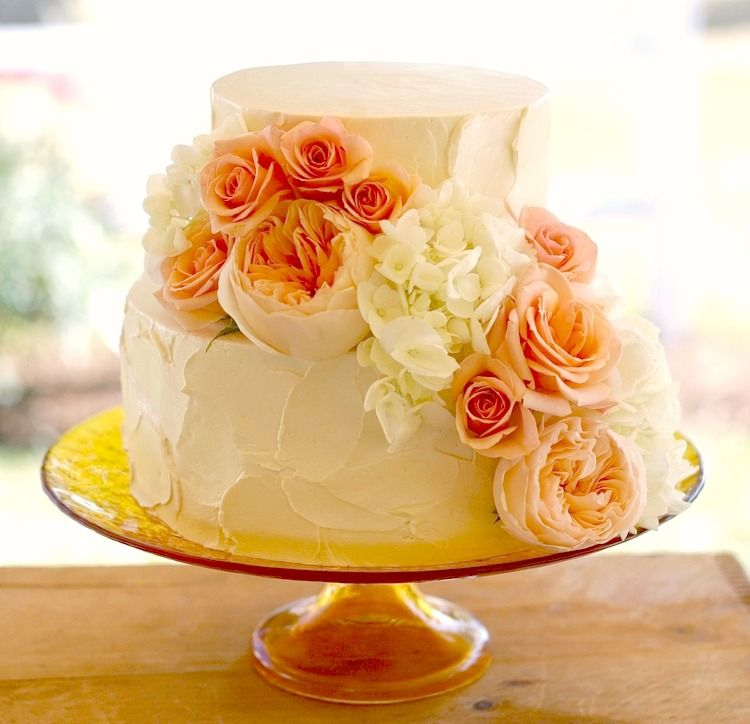 Wedding cake and flowers design by Lynn Palmer Cakes /small cutting ...