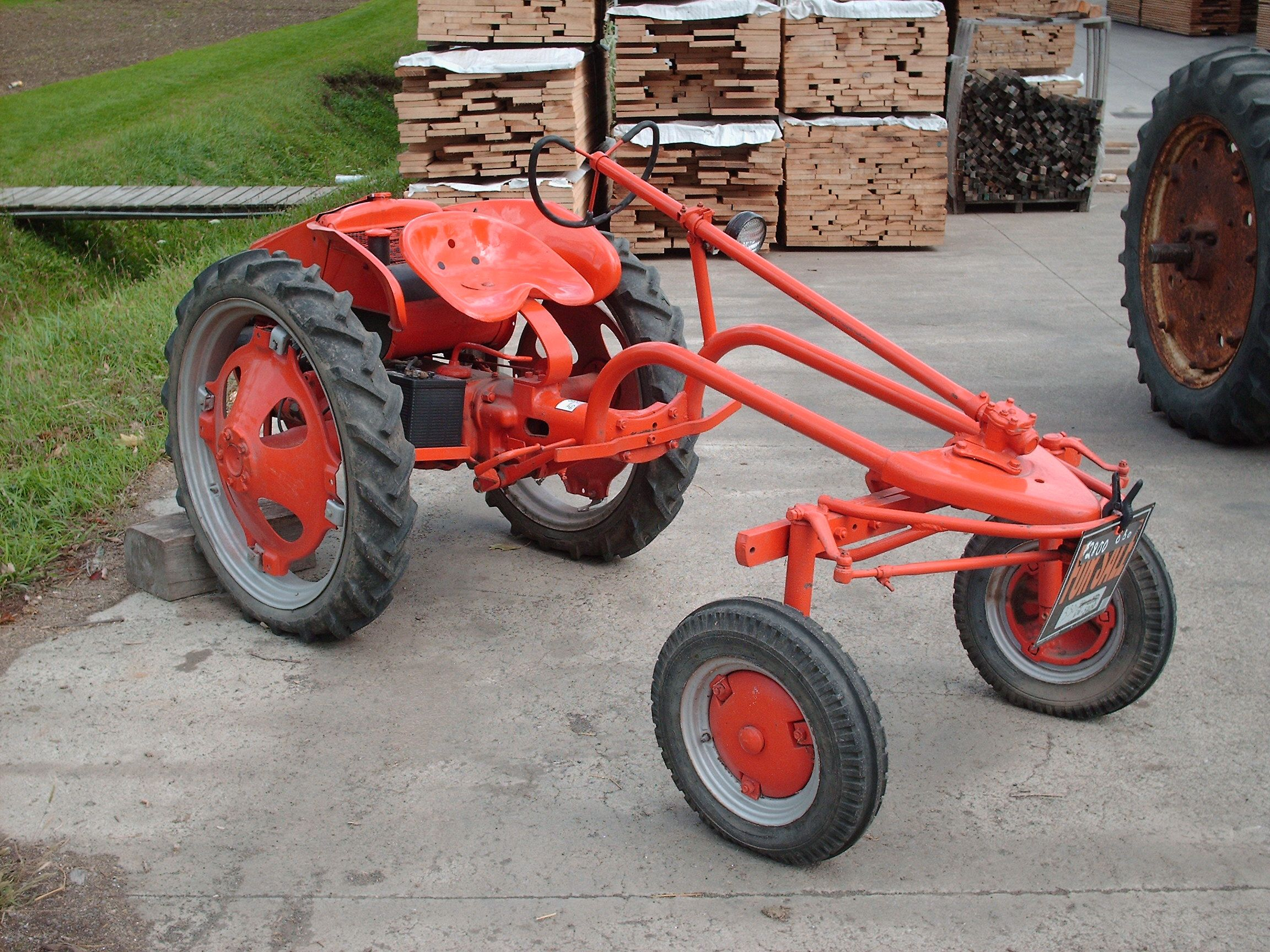 Allis Chalmers G Series Tractor For Sale In Berlin My Father Owned One Of These Rare Tractors Tractors For Sale Vintage Tractors